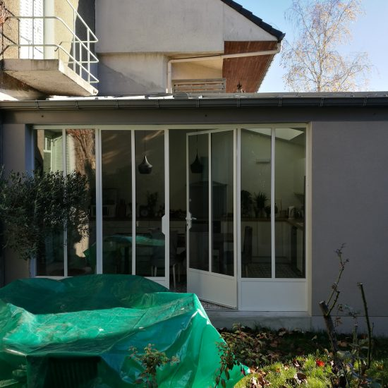 Rénovation d'une maison individuelle avec extension côté jardin