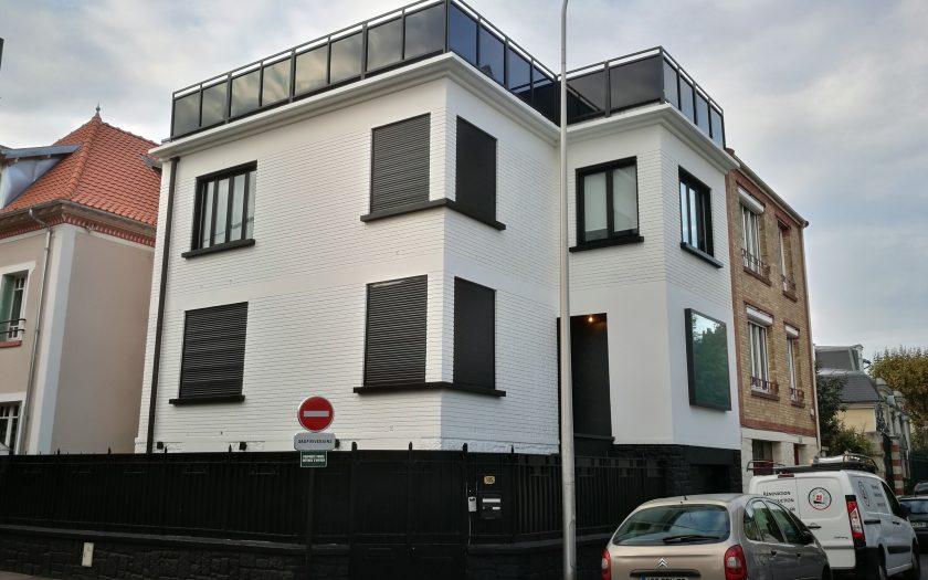 Peinture façade maison blanc noir